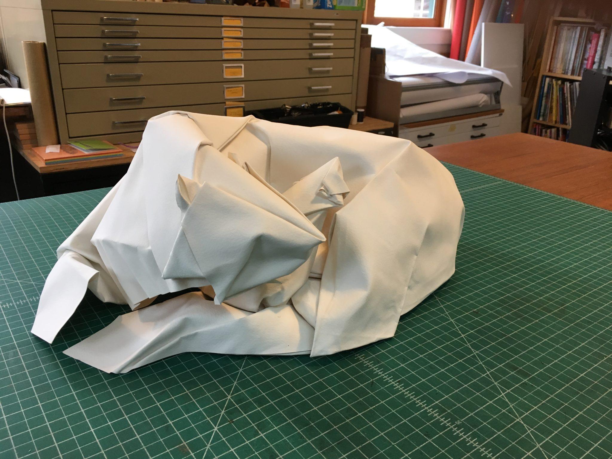 Origani Bed   Bed origami, Origami easy, Diy barbie furniture   1536x2048